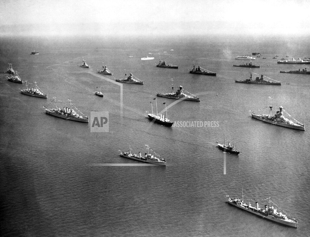 Watchf AP I   GBR XEN APHSL2 The Great Naval Review 1935