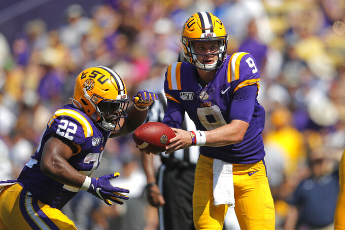 AP Top 25 Podcast: How No. 5 LSU unleashed its passing game?