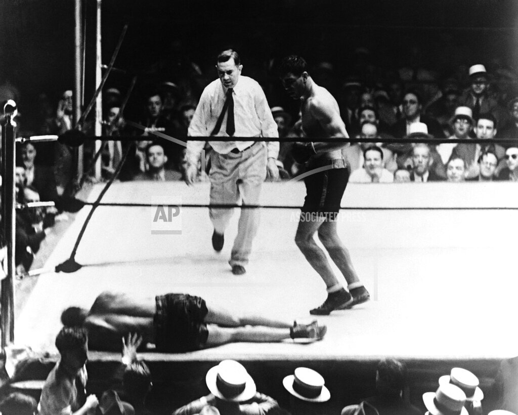 Watchf AP S BOX OH USA APHSL49783 USA Boxing Max Schmeling vs Young Stribling