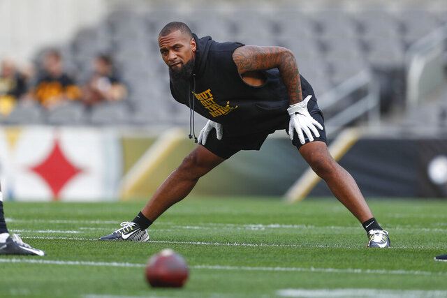 FILE - Pittsburgh Steelers wide receiver Donte Moncrief warms up before a preseason NFL football game against the Kansas City Chiefs, Saturday, Aug. 27, 2019, in Pittsburgh. The New York Jets have signed veteran Donte Moncrief to help their banged-up wide receiver corps. Moncrief agreed to terms with the Jets on Friday, Aug. 28, 2020, but the receiver had to go through COVID-19 protocols before officially signing. (AP Photo/Don Wright, File)