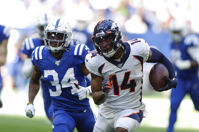 Vinatieri's final kick gives Colts 15-13 win over Broncos