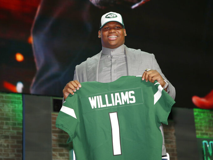 Jets report for camp without unsigned Quinnen Williams
