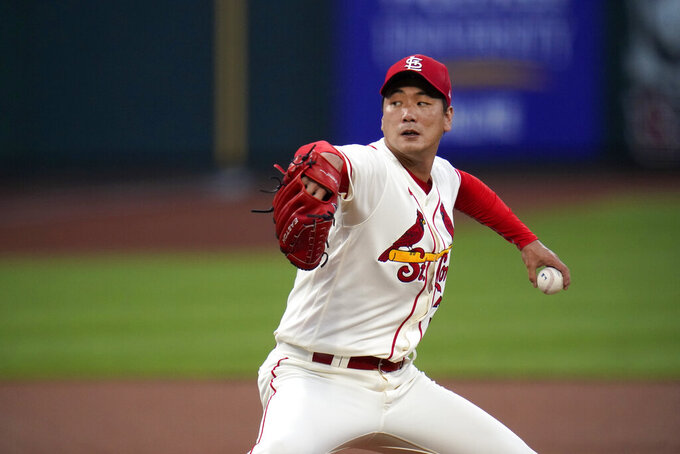St. Louis Cardinals starting pitcher Kwang-Hyun Kim throws during the first inning of a baseball game against the Cincinnati Reds Saturday, Aug. 22, 2020, in St. Louis. (AP Photo/Jeff Roberson)