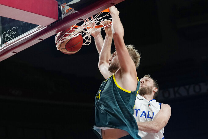 Australia now 2-0 in men's basketball, tops Italy 86-83