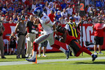 New York Giants quarterback Daniel Jones (8) beats Tampa Bay Buccaneers cornerback M.J. Stewart (36) to the endzone to score during the first half of an NFL football game Sunday, Sept. 22, 2019, in Tampa, Fla. (AP Photo/Mark LoMoglio)