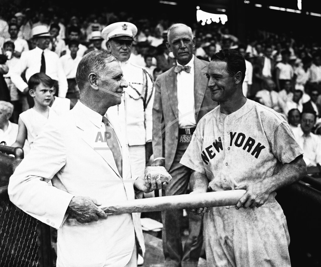 Watchf Associated Press Sports Professional Baseball (American League) Dist. of Col United States APHS178455 Yankees Gehrig With Dern 1935