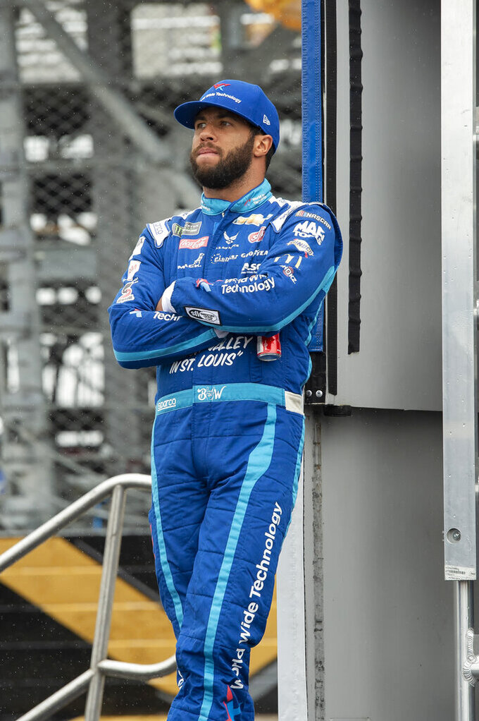NASCAR's Bubba Wallace acknowledges going through tough time