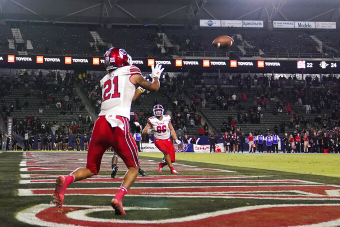 Utah wide receiver Solomon Enis (21) catches a pass for a two-point conversion during the second half of an NCAA college football game against the Utah Saturday, Sept. 18, 2021, in Carson, Calif. (AP Photo/Ashley Landis)