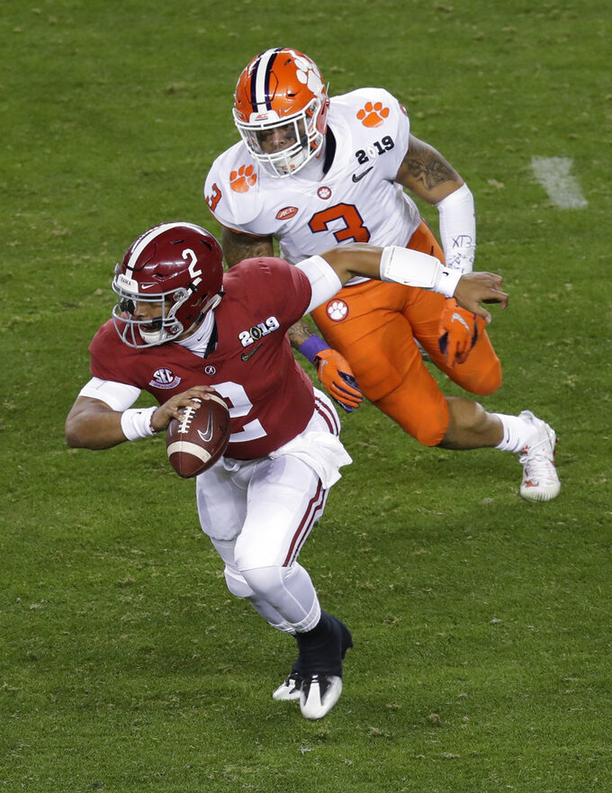 Alabama's Jalen Hurts runs during the second half of the NCAA college football playoff championship game against Clemson, Monday, Jan. 7, 2019, in Santa Clara, Calif. (AP Photo/Jeff Chiu)