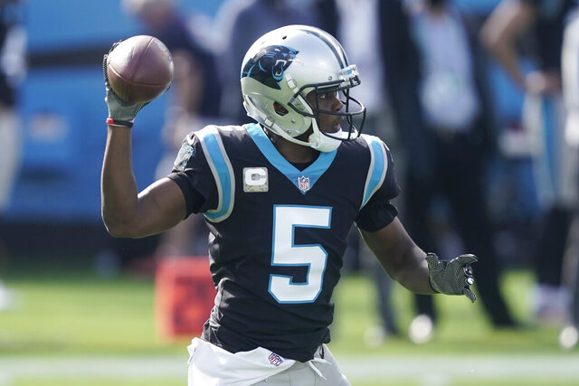 Carolina Panthers quarterback Teddy Bridgewater (5) works against the Tampa Bay Buccaneers during the first half of an NFL football game, Sunday, Nov. 15, 2020, in Charlotte , N.C. (AP Photo/Gerry Broome)