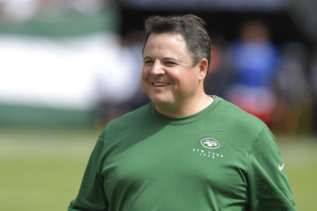 "New York Jets offensive coordinator Dowell Loggains smiles before an NFL football game against the Buffalo Bills Sunday, Sept. 8, 2019, in East Rutherford, N.J. The Jets' struggling offense will again be in Dowell Loggains' hands this week. Coach Adam Gase announced Wednesday, Oct. 28, 2020, that his offensive coordinator will call plays for the second straight game after Loggains oversaw the offense in an 18-10 loss last Sunday to Buffalo. ""We're going to keep it the same,"" Gase said. But the Jets will hope for a better result. AP Photo/Bill Kostroun, File)"