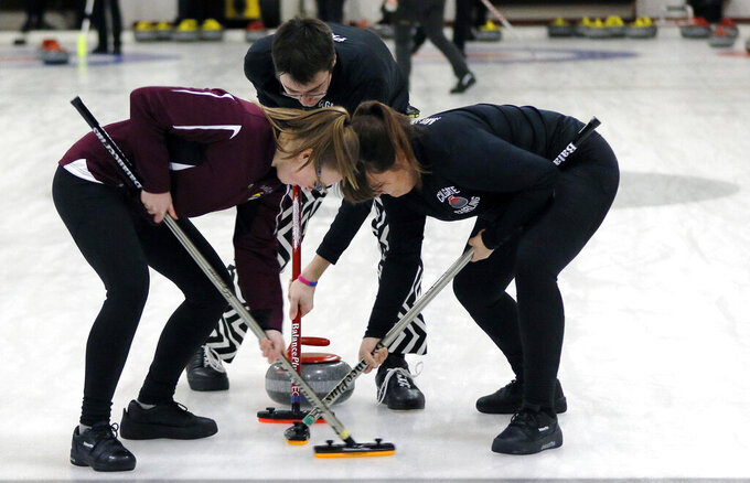 As curling grows, it finds a new target: college campuses