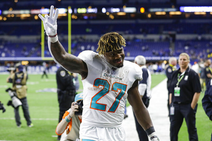 Make it 2 in a row - takeaways help Dolphins' turnaround