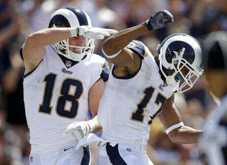 Colts Rams Football