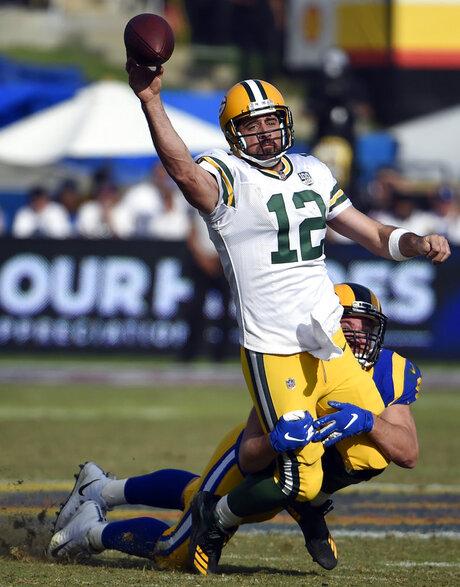 APTOPIX Packers Rams Football