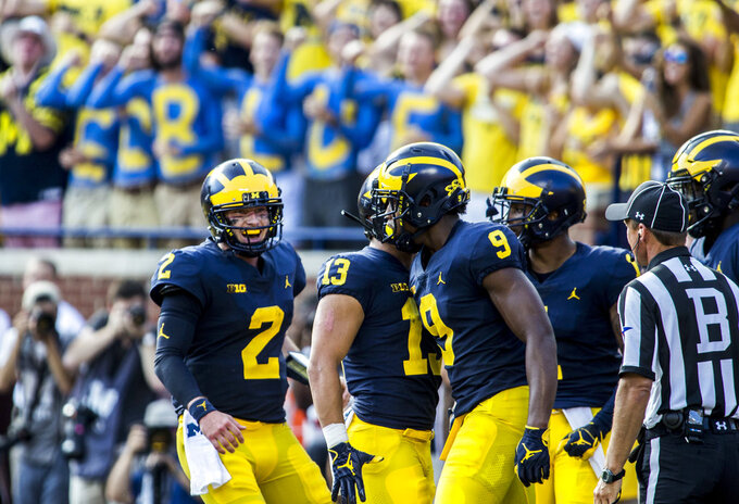 Shea Patterson throws 3 TDs, No. 19 Michigan beats SMU 45-20