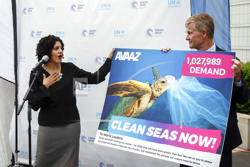 AVAAZ Delivers a One Million Signature Petition to Save Oceans