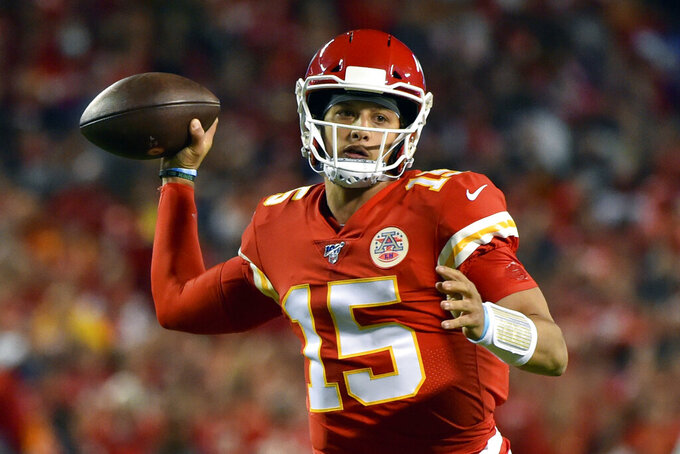 Mahomes, banged-up Chiefs face Denver on short rest