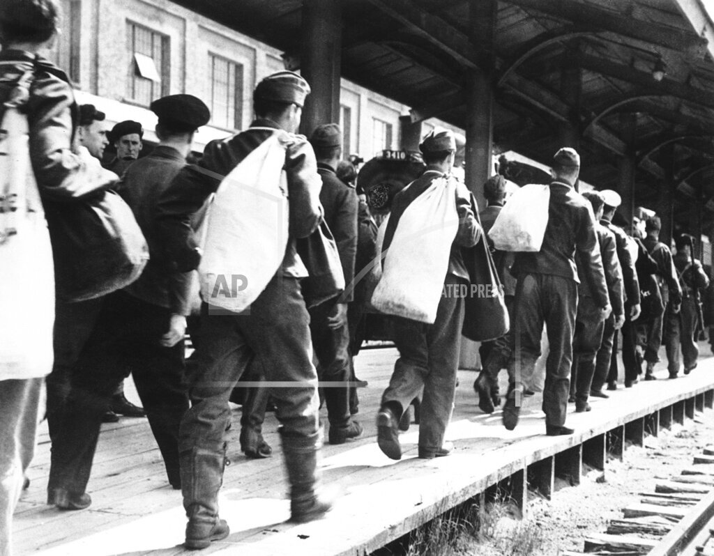 Watchf AP I   CAN APHSL20745 WWII Canada German Prisoners