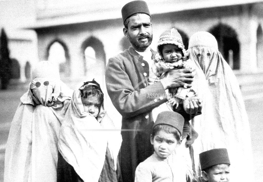 Watchf AP I   IND APHS353483 India People Muslims