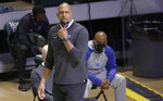 Memphis coach Anfernee Penny Hardaway watches the team play Boise State during the second half of an NCAA college basketball game in the semifinals of the NIT, Thursday, March 25, 2021, in Denton, Texas. (AP Photo/Ron Jenkins)