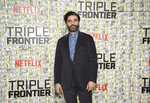 Actor Oscar Isaac attends the world premiere of