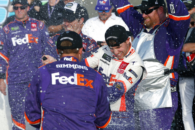 Rookie crew chief Gabehart has Hamlin on verge of 1st title