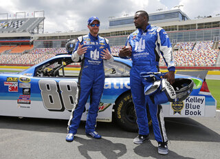 Dale Earnhardt Jr, Thomas Davis