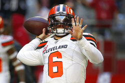 Cleveland Browns quarterback Baker Mayfield (6) warms up prior to an NFL football game against the Arizona Cardinals, Sunday, Dec. 15, 2019, in Glendale, Ariz. (AP Photo/Rick Scuteri)