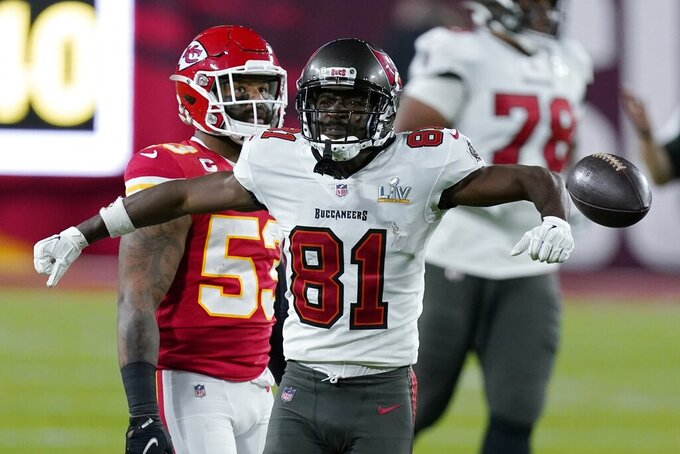 Tampa Bay Buccaneers wide receiver Antonio Brown reacts after making a catch against the Kansas City Chiefs during the first half of the NFL Super Bowl 55 football game Sunday, Feb. 7, 2021, in Tampa, Fla. (AP Photo/Mark Humphrey)