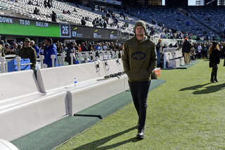 Jets Darnold Sits Football
