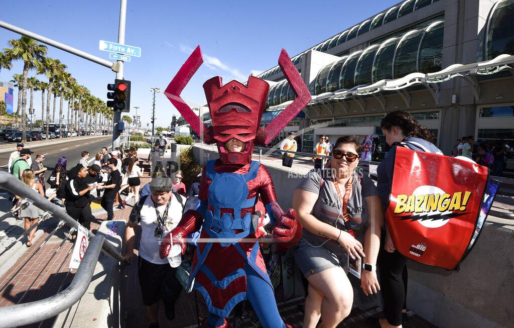 2016 Comic-Con - Preview Night