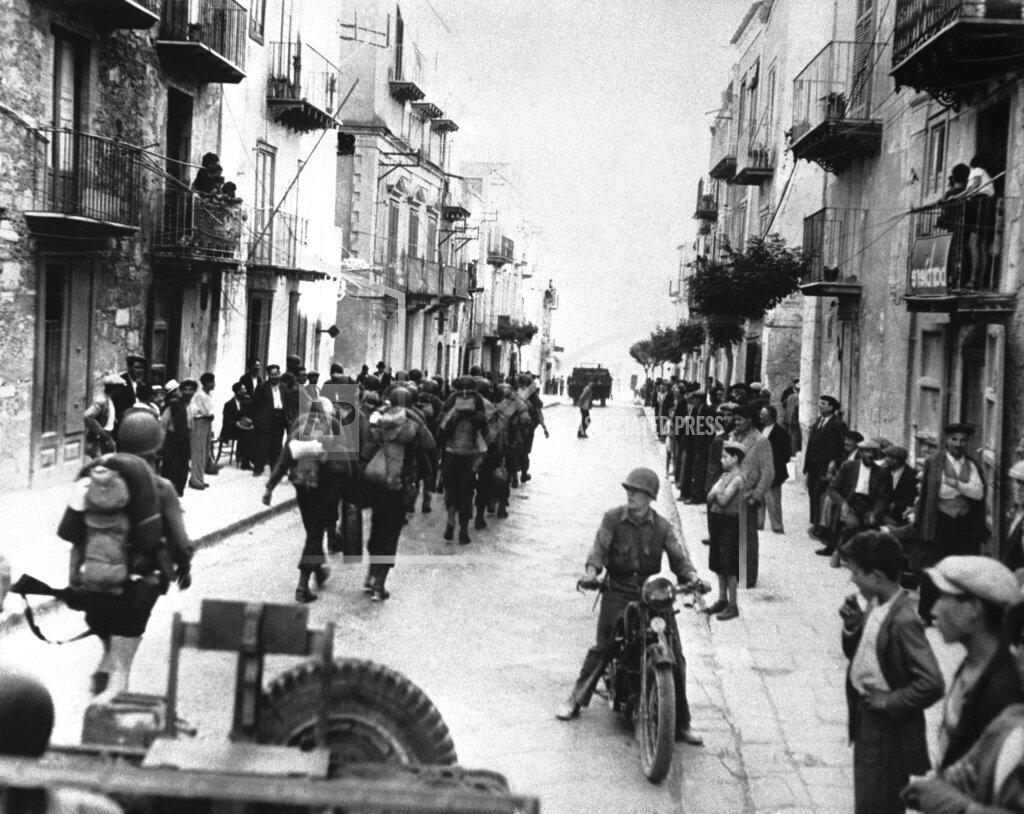 Watchf AP I   ITA APHSL24529 WWII Italy Allied Invasion