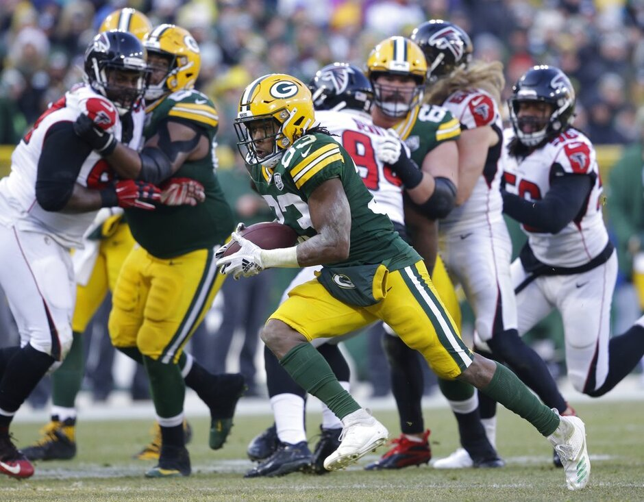 Falcons Packers Football