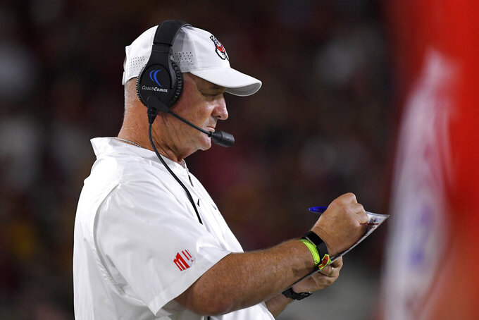Fresno State head coach Jeff Tedford stands on the sidelines during the second half of an NCAA college football game against Southern California Saturday, Aug. 31, 2019, in Los Angeles. USC won 31-23. (AP Photo/Mark J. Terrill)