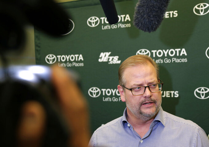 Maccagnan sticking around, so it's on GM to turn Jets around