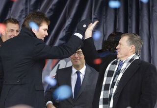 Rob Gronkowski, Tom Brady, Jonathan Kraft, Bill Belichick
