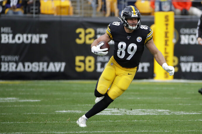 FILE - Pittsburgh Steelers tight end Vance McDonald (89) plays against the Cleveland Browns during an NFL football game in Pittsburgh, in this Sunday, Dec. 1, 2019, file photo. Steelers tight end Vance McDonald is retiring. The 30-year-old announced the decision Friday, Jan. 22, 2021. (AP Photo/Gene J. Puskar, File)