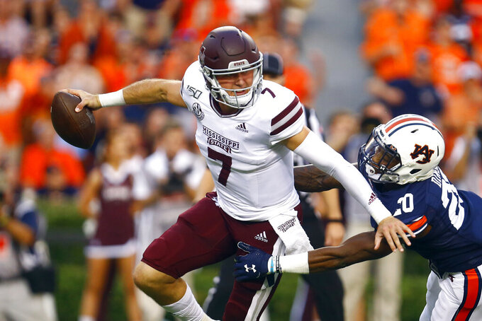 Mississippi State staying coy about QB plans for Tennessee