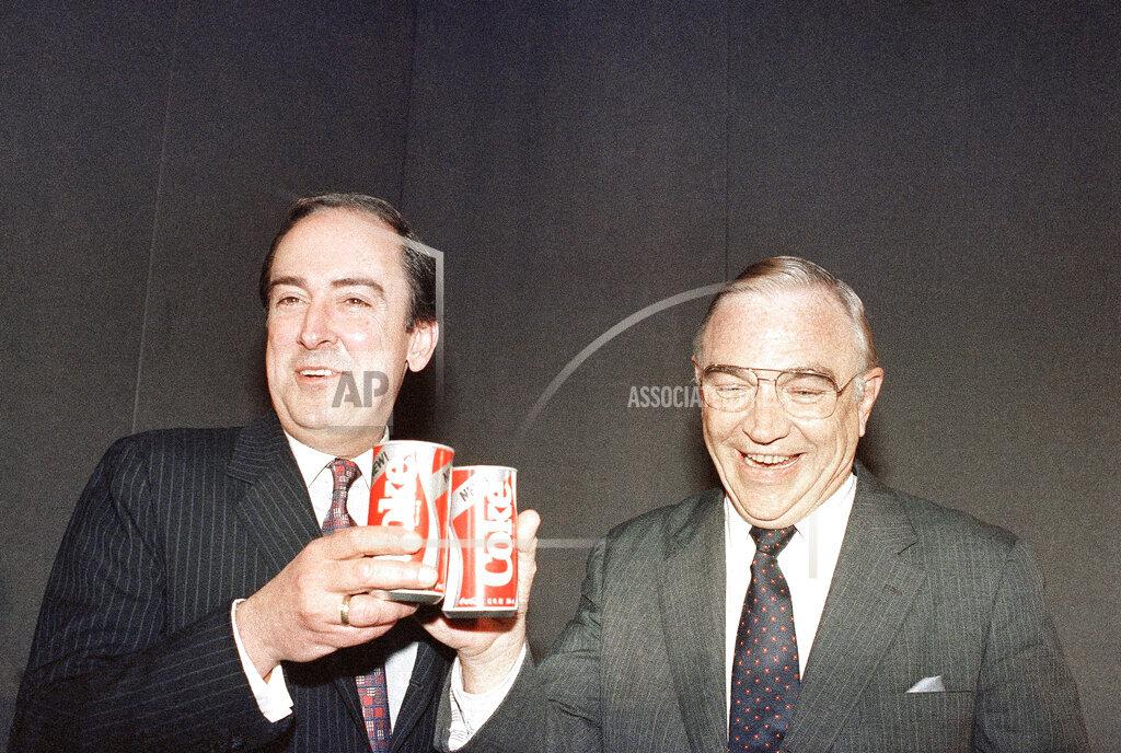 Watchf AP A  NY USA APHS336247 Coca-Cola changes formula
