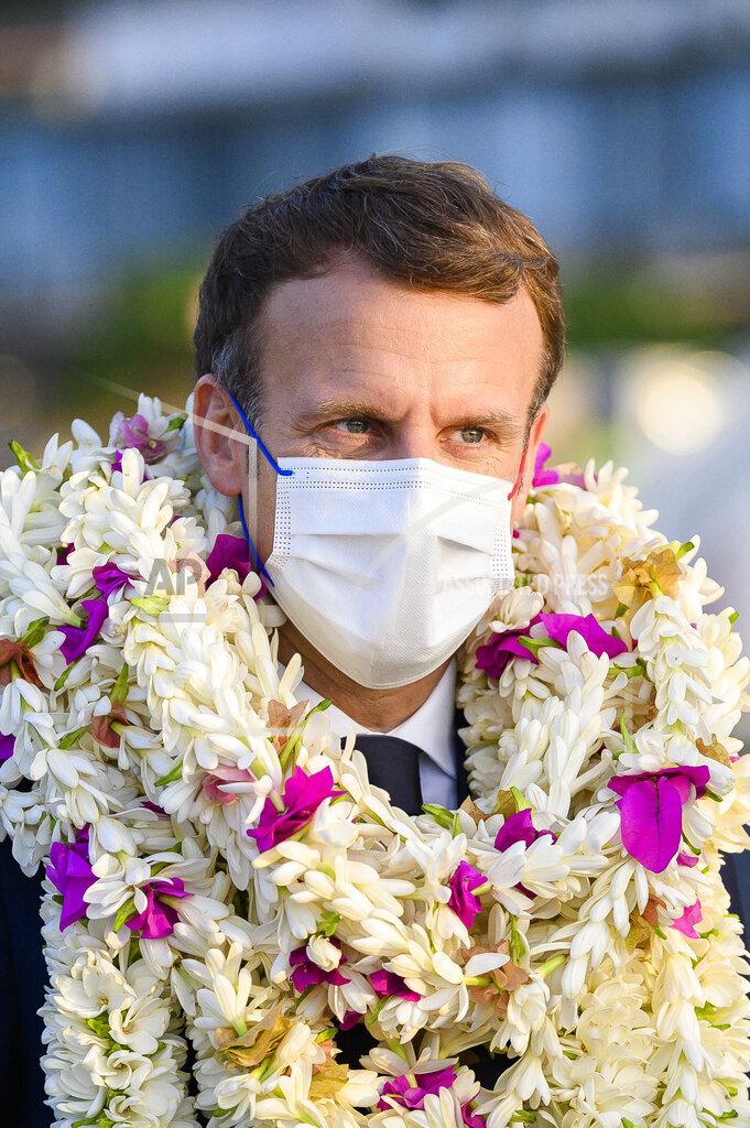 Emmanuel Macron - Tahiti Airport