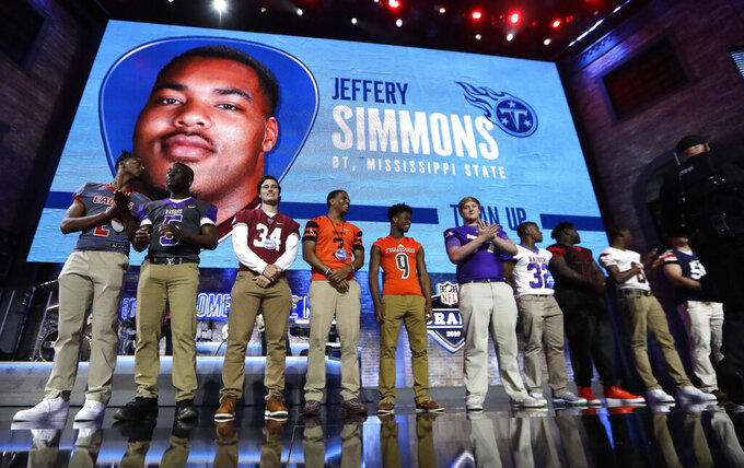 Titans select Mississippi State DT Jeffery Simmons at No. 19