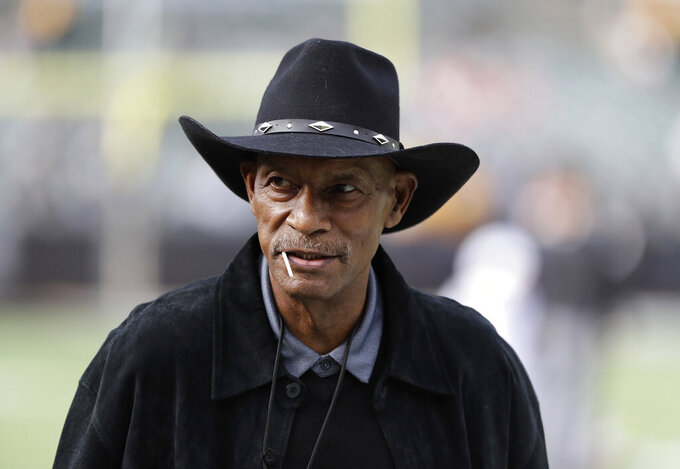 Hall of Fame cornerback Willie Brown dies at age 78