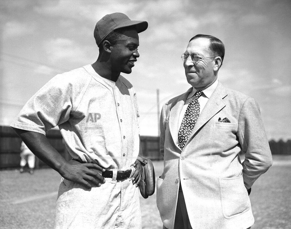 Watchf Associated Press Sports Minor League Baseball Florida United States APHS162987 Royals Robinson Spring Training 1946