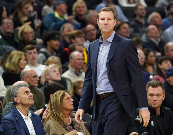 Ex-Bulls coach Fred Hoiberg hired at struggling Nebraska