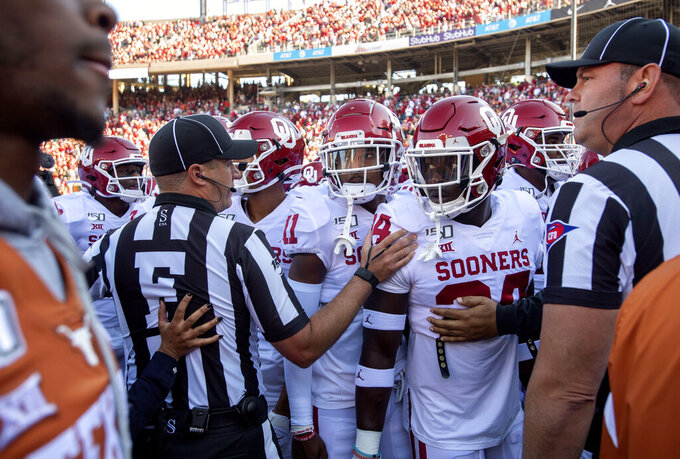 Texas, OU called for unsportsmanlike 30 minutes before kick