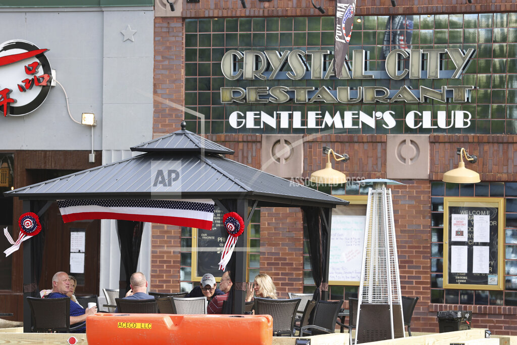 Crystal City Gentleman's Club Adds Outisde Eating Area