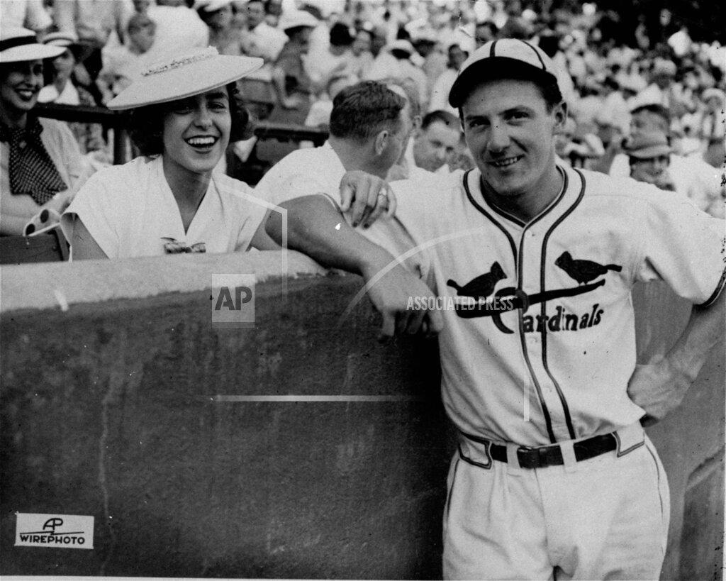 Associated Press Sports Missouri United States Professional baseball (National League) CARDINALS MEDWICK FIANCEE HUETEL
