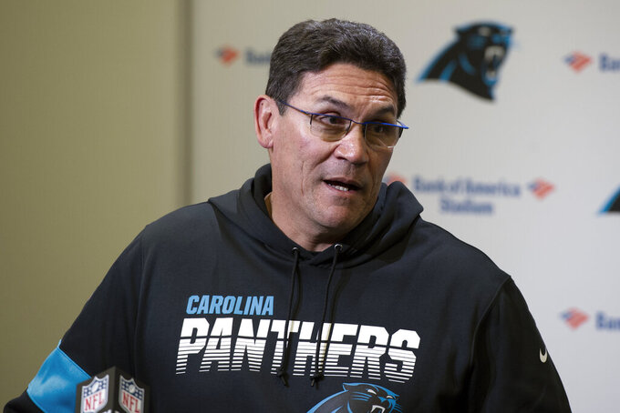 El entrenador Ron Rivera de los Panthers de Carolina en una rueda de prensa tras el partido ante los Redskins de Washington, el domingo 1 de diciembre de 2019, en Charlotte. (AP Foto/Mike McCarn)