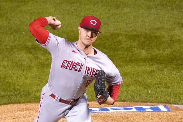 Cincinnati Reds starting pitcher Sonny Gray delivers during the first inning of a baseball game against the Chicago Cubs, Thursday, Sept. 10, 2020, in Chicago. (AP Photo/Charles Rex Arbogast)
